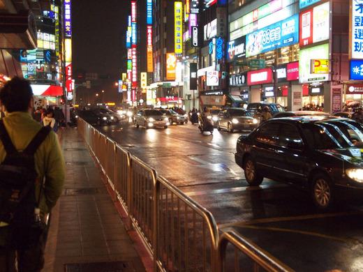 夜の道 台北車站(台北駅)付近