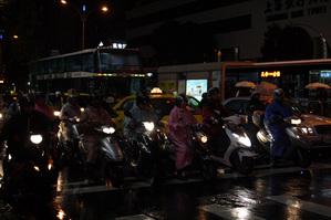 台湾の街中にはバイクが多い